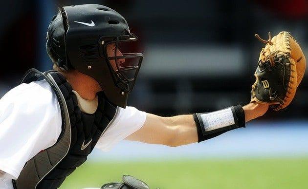Black Friday & Cyber Monday Gloves/Bats Deals 1